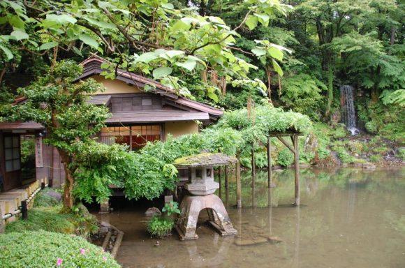 Kenrokuen garden (Karen Bowerman)